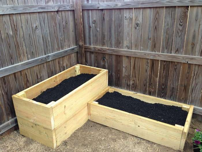finished-planter-beds-with-soil